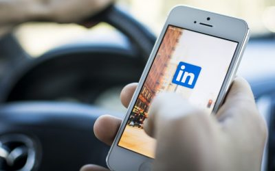 LinkedIn tips on communication/engagement for your desktop and mobile!